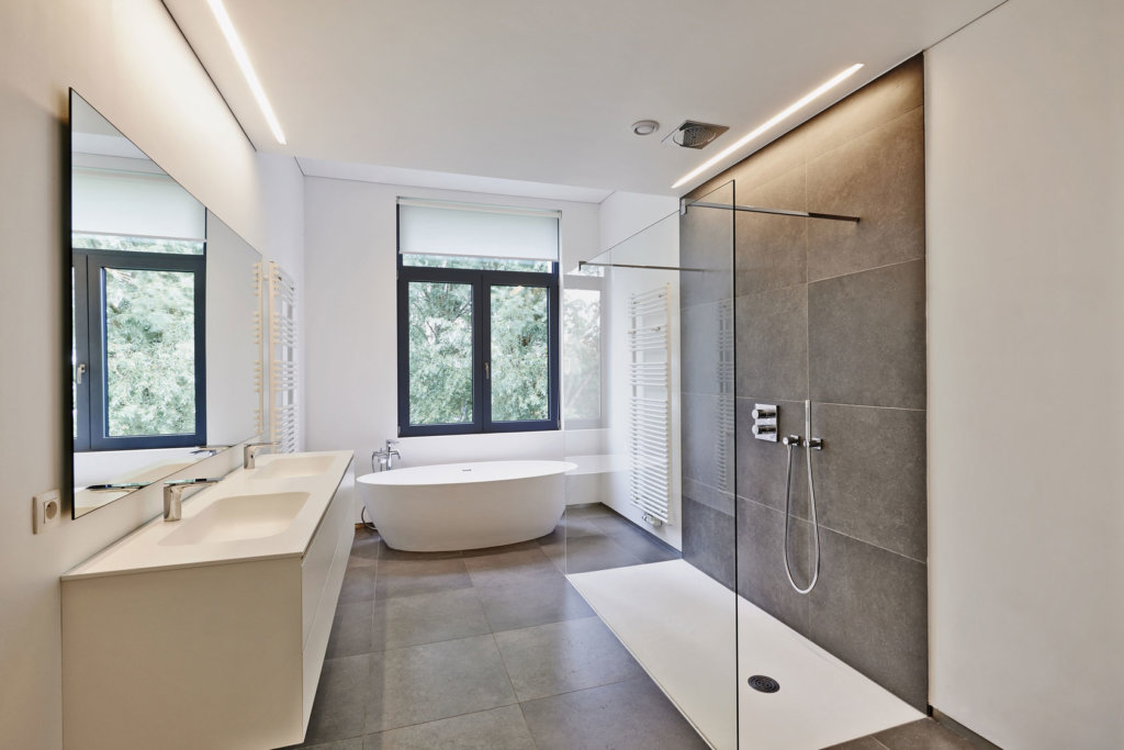 Duschpaneel---Große-Dusche